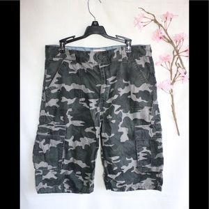 Levi's boy's camo Cargo Shorts